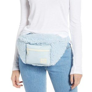 Herschel Seventeen belt bag fanny pack fleece